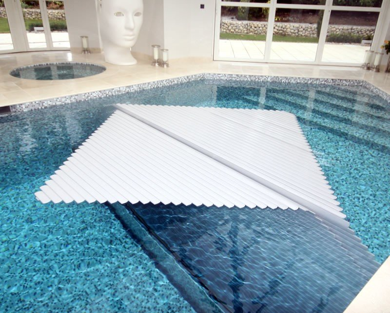 Swimming Pool Covers : Automatic swimming pool covers roman pools