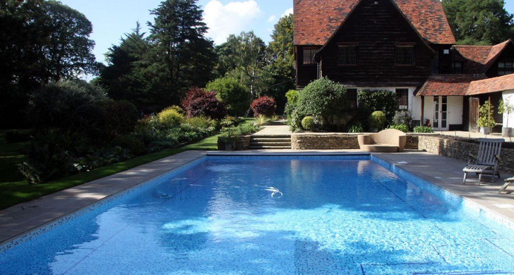 Outdoor indoor swimming pool construction build in chobham for Garden city pool jobs